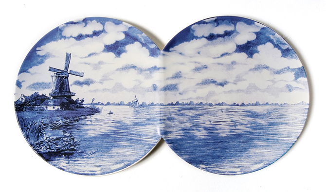 Maxime Ansiau delftsblauwe bord twee aan elkaar