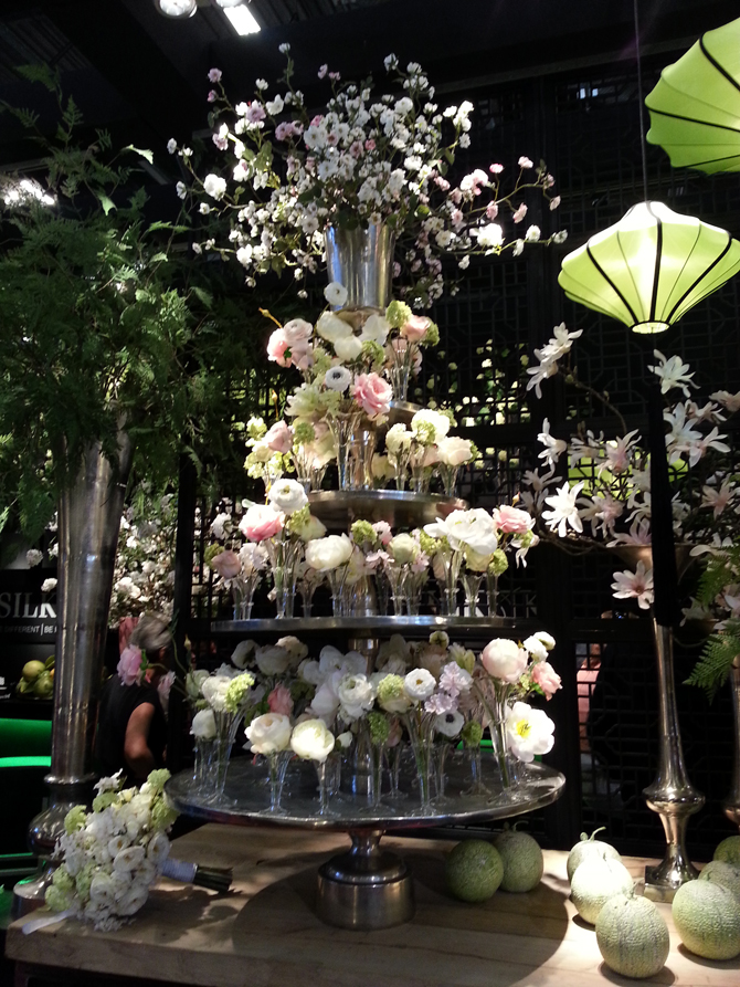 Maison et Objet - Silk Ka etagere zijde bloemen
