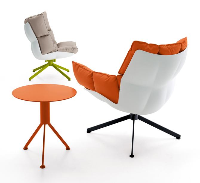 HUSK stoelen voor in de tuin oranje
