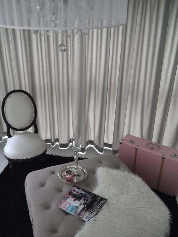 Binnenkijken interieur: Strak en romantisch met zachtroze en mintgroen!