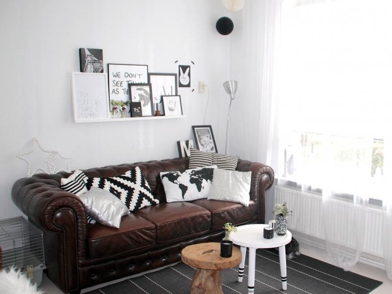 Woonkamer van een klein huurhuisje interieur - Een kleine rechthoekige woonkamer geven ...