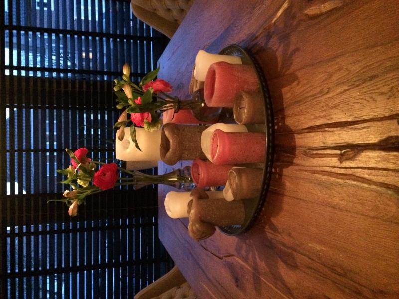Binnenkijken interieur: Candles en flowers.