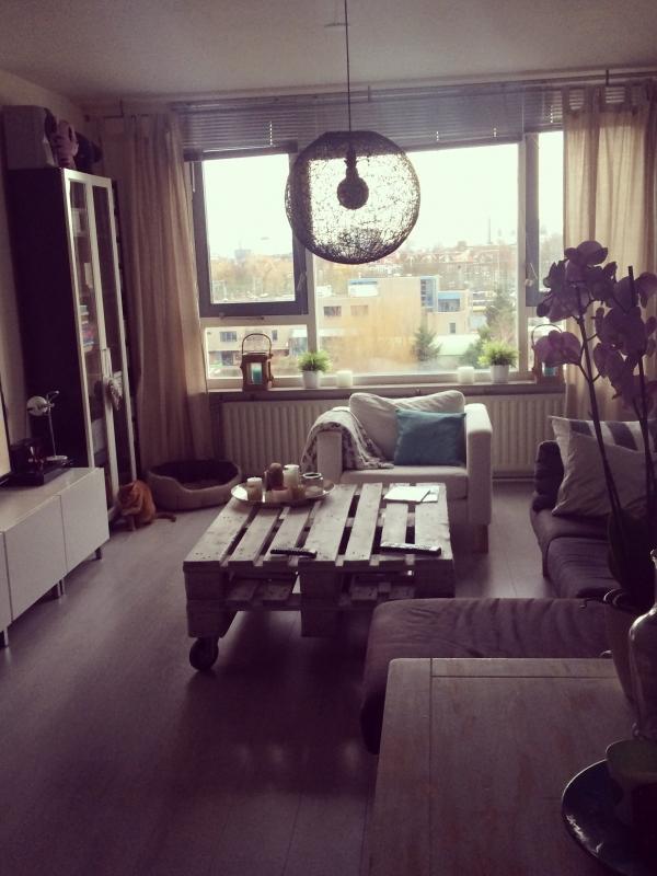 Landelijke huiskamer met scandinavische look interieur for Interieur nederland