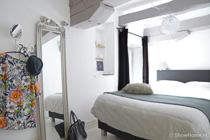 Binnenkijken bij cynthia miss lipgloss - Slaapkamer met zichtbare balken ...