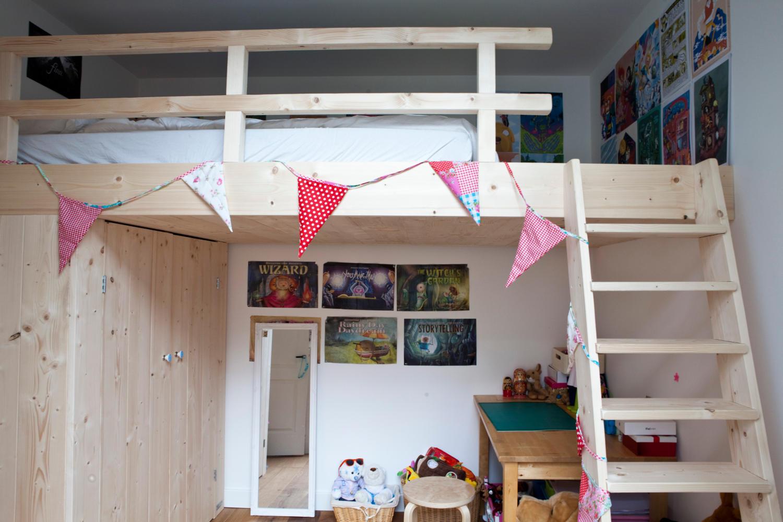 De ideale oplossing voor een kleine slaapkamer? een bed en bureau