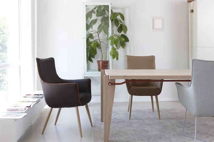 Dutch design dinsdag gerard van den berg voor label for Dutch design eetkamerstoelen