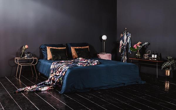 Hotel Slaapkamer Ideeen : Deze slaapkamer is ingericht als een leuk vintage hotel