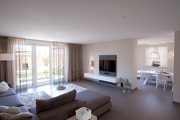 Inrichting en ontwerp keuken en woonkamer interieurstylist - Moderne eetkamer en woonkamer ...