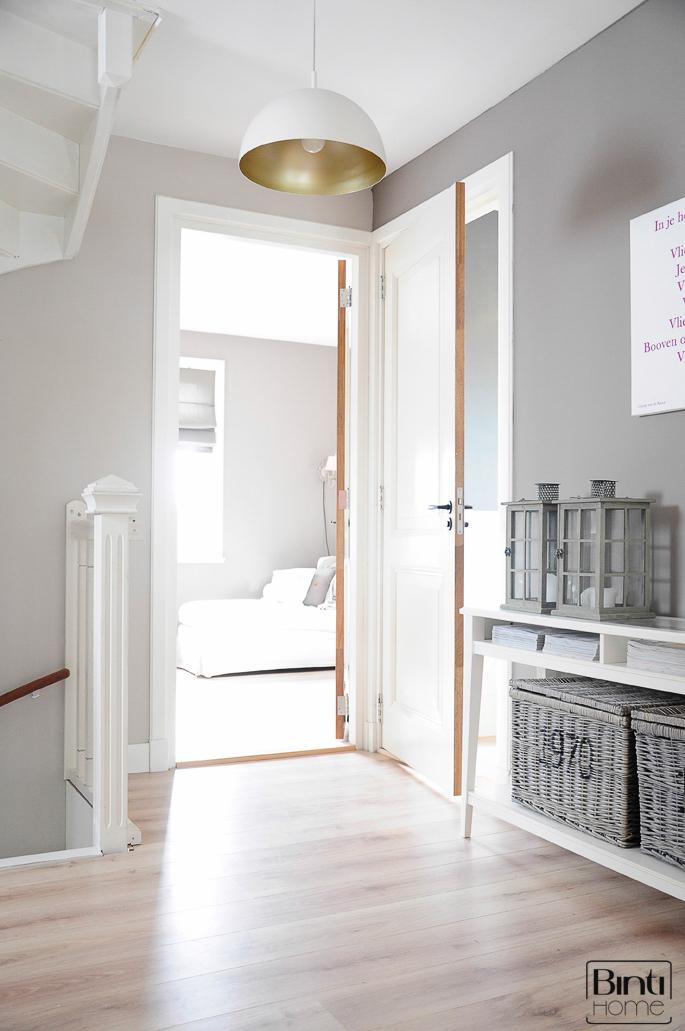 Idee kapstok wit modern galerij foto 39 s van binnenlandse en moderne binnenhuisarchitectuur for Interieur van eigentijds huis foto
