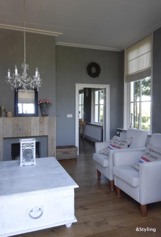 Kleuradvies voor de woonkamer en keuken interieurstylist - Lichtgrijze gang ...