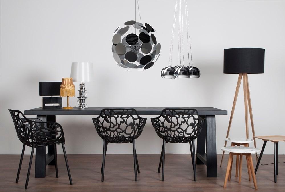 Lamp op drie poten inspiraties - Houten tafel en stoel ...
