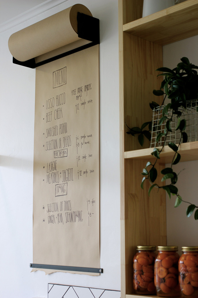 Notitiebord Keuken : Wall Mounted Craft Paper Roll Holder