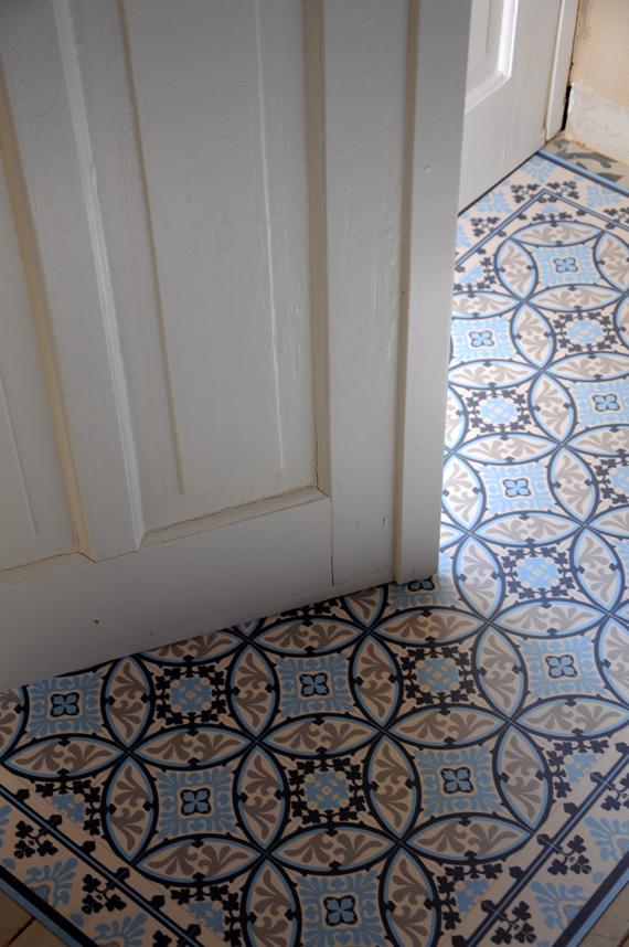 Vloertegels Keuken Portugees : een keukenwand kun je bijvoorbeeld beplakken met de muurstickers en in