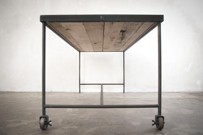 tafels met een minimalistisch design tafels met een robuust houten ...