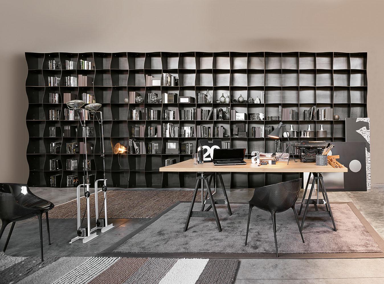 Boekenkast met organische vormen inspiraties for Interior design italiani