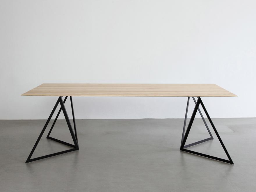 stalen onderstellen voor een tafel inspiraties. Black Bedroom Furniture Sets. Home Design Ideas