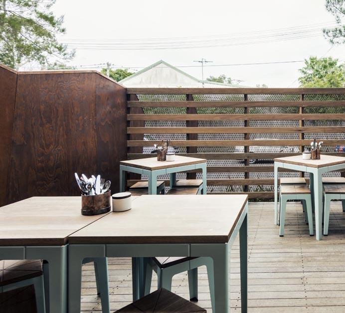 Toffe houten kruk voor buiten inspiraties for Houten trap voor buiten
