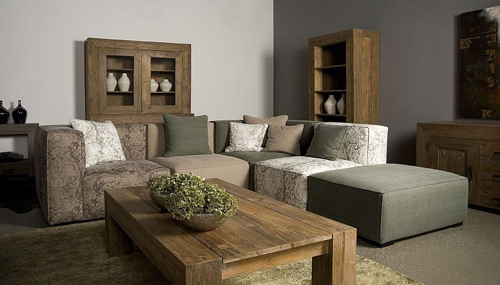 Moderne of klassieke meubelen inspiraties for Landelijk strak wonen