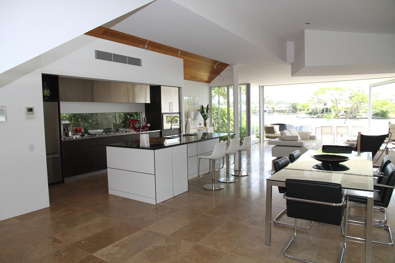 Keuken, eetkamer en woonkamer in één grote ruimte - Inspiraties ...