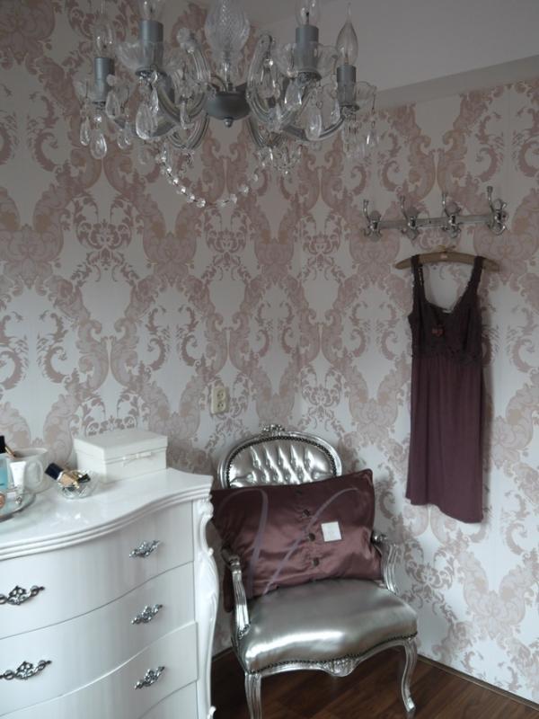 Strak en romantisch met zachtroze en mintgroen interieur - Decoratie volwassen kamer romantisch ...