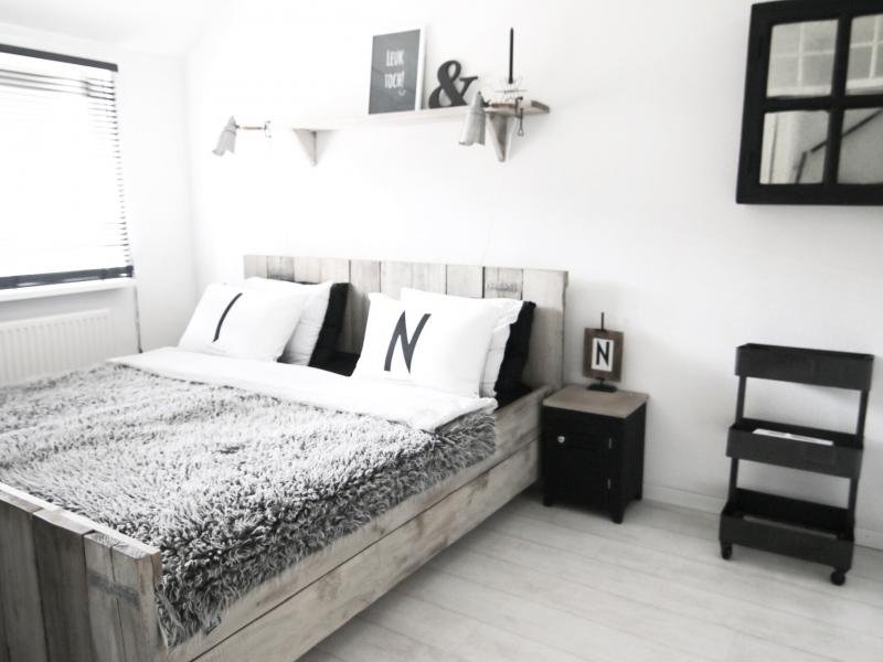 Zwart wit wonen interieur showhome