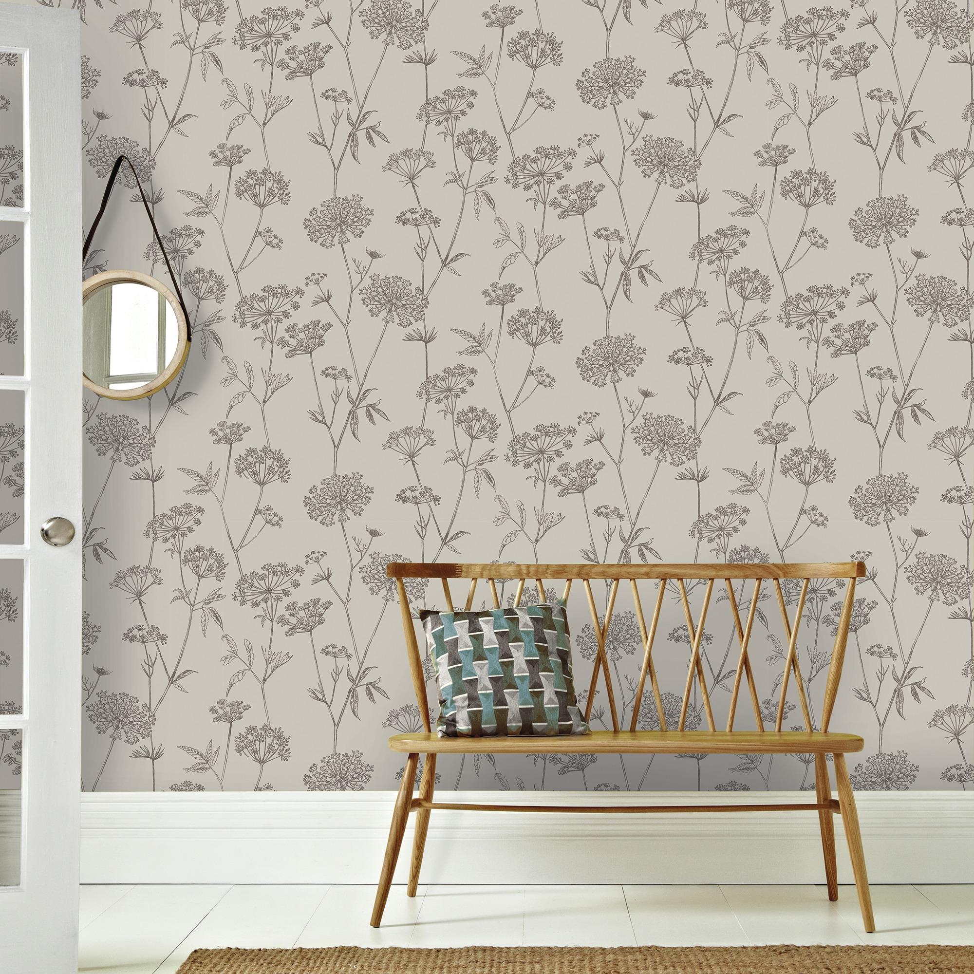 Haal de natuur in huis met behang inspiraties - Wit behang en grijs ...