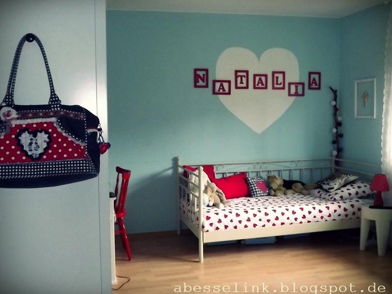 Slaapkamer met als thema hartjes interieur - Cabine slaapkamer meisje ...
