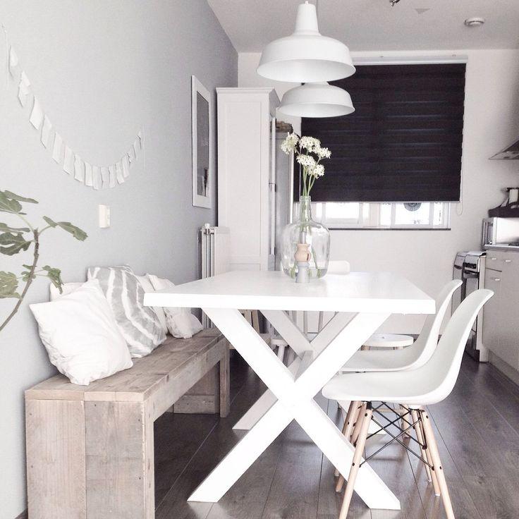 Op zoek naar de witte eettafel met een kruispoot   inspiraties ...