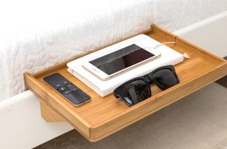 Handig plankje voor aan je bed
