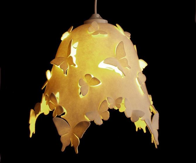 Vlinderlamp Kinderkamer : Vlinder lamp brandend