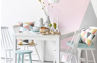 Een interieur met poedertinten en pastelkleuren