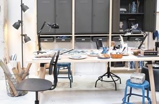 interieurontwerp-ikea-salonedelmobile2017-atelier-werkruimte-werktafel-bureaustoel-metalenkast-kl.jpg
