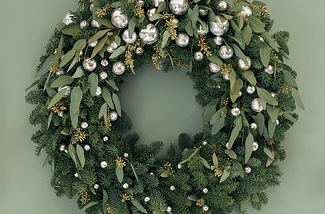 Krans Met Lichtjes. Dsc Dsc Sneeuwwit Krans Kerstballen With Krans ...