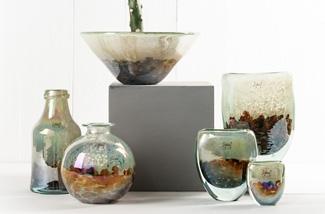 Kleurrijke glazen vazen