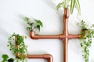 Maak een koperen wandhanger voor planten