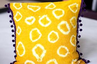Maak een tie-dye kussenhoes