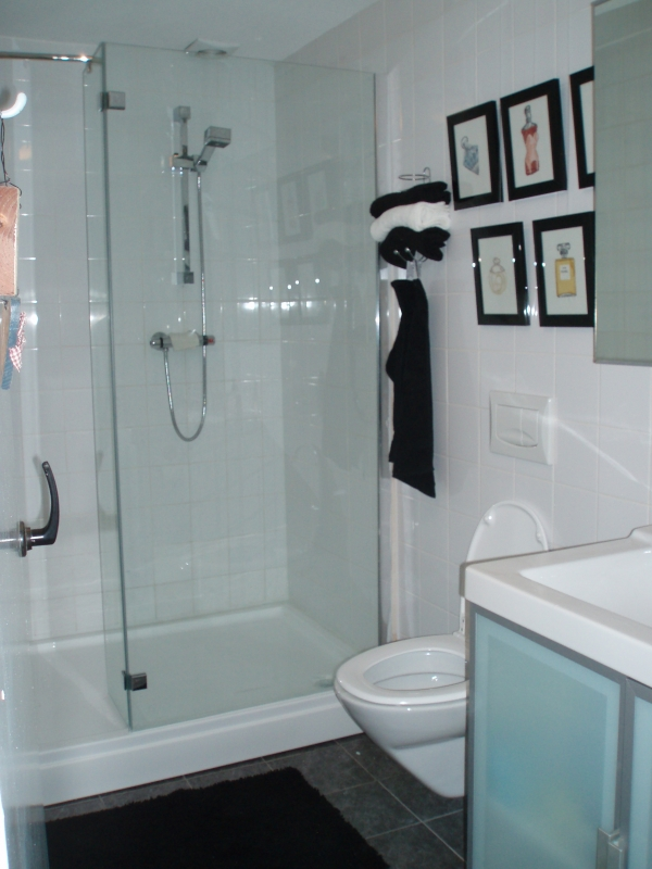 Binnenkijken interieur: Strakke badkamer