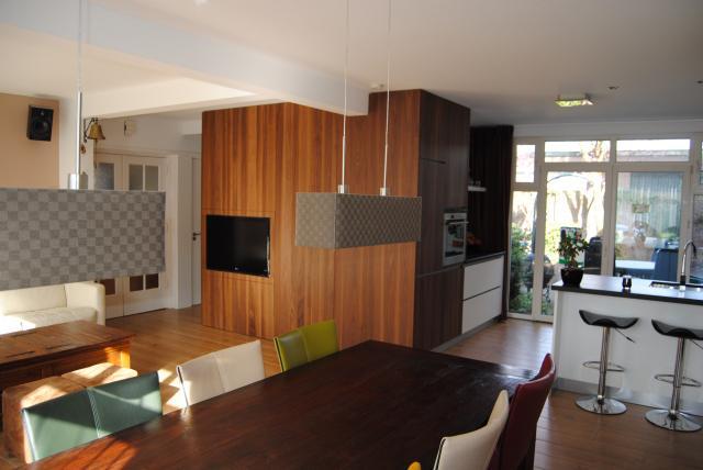 Woonkamer met open keuken interieur - Moderne keuken en woonkamer ...