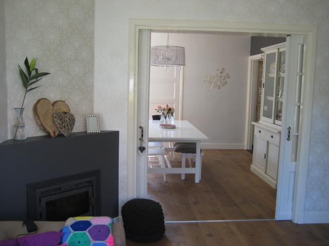 Jaren 30 huis met een modern en landelijk tintje for Inrichting huis modern