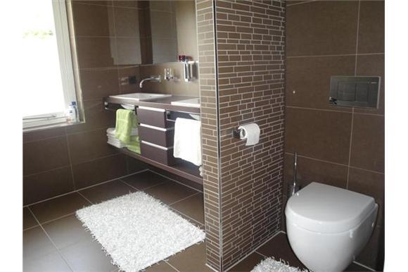 Strak en modern interieur - Interieur badkamer ...
