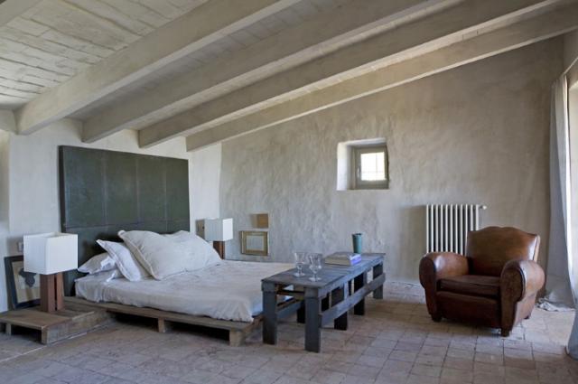 Strak landelijk interieur - Idee de deco palette en bois ...