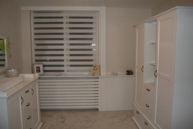 Rustige en romantische babykamer interieur - Decoratie romantische slaapkamer ...