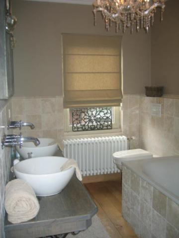 Landelijke badkamer interieur for Moderne wc decoratie