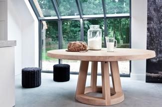 solid-ronde-eiken-tafel-01-kl.jpg