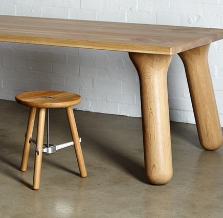 stoere-houten-eettafel-big-foot-hm.jpg