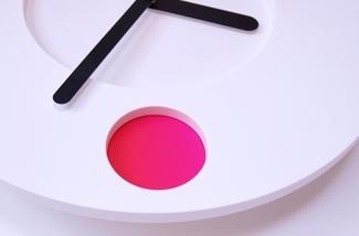 Blog: Analoge wandklok met kleuren