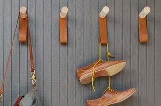 Blog: Wandhaak van hout en leer