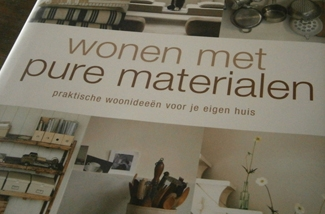 Woonboek: Wonen met pure materialen